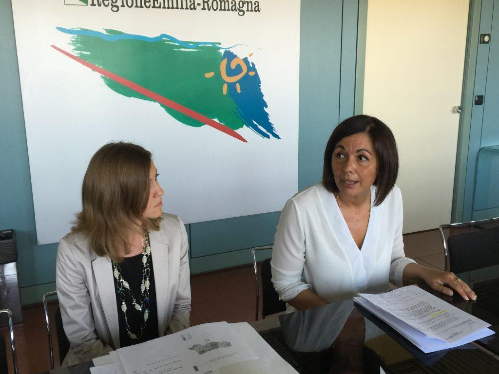 Conferenza stampa presentazione Rapporto RAEE 2015 (Sara Mussetta a sx, Paola Gazzolo a dx).